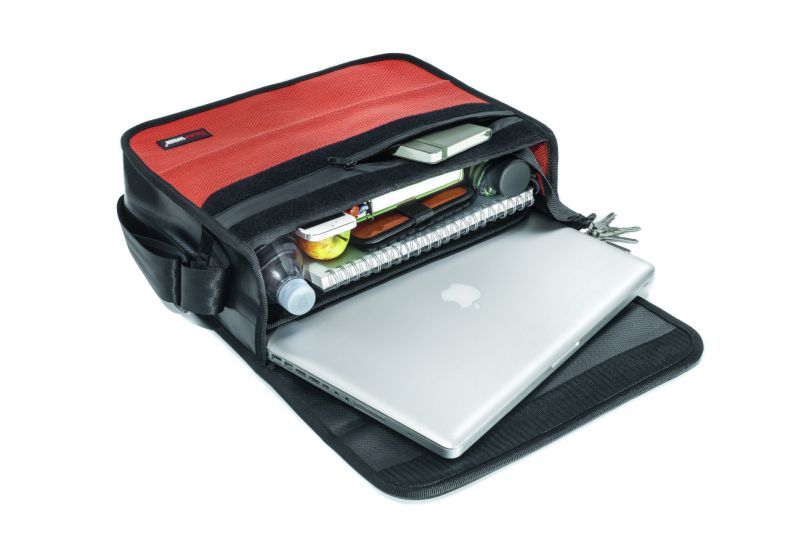 Laptop bag Scott offers many accessory compartments
